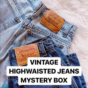 VINTAGE HIGHWAISTED JEANS MYSTERY BOX
